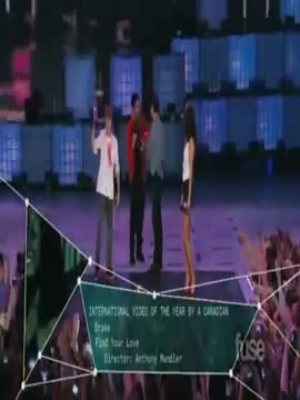 Justin Bieber flirting with Selena Gomez at MMVA_s+JB and Dr