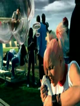 P!nk - Don't Let Me Get Me